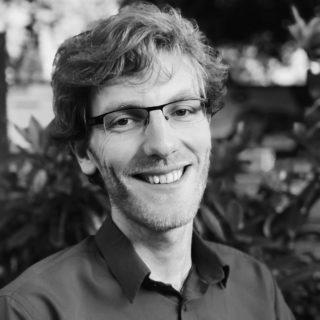 Schwarz-weiß Portrait von Lukas Wallrich