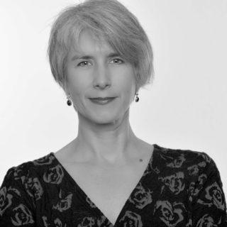 Schwarz-weiß Portrait von Dr. Wiebke Koenig